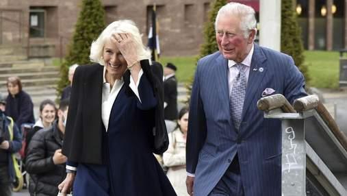 Принц Чарльз із дружиною відвідав місто Ковентрі: фото нового виходу пари