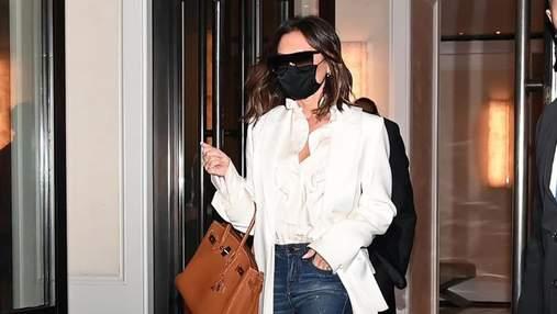 Вікторія Бекхем показує, які джинси додають стрункості: стильний образ