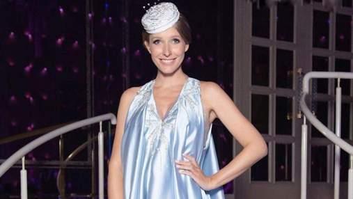Вагітна Катя Осадча приголомшила вишуканим образом в атласній сукні: фото
