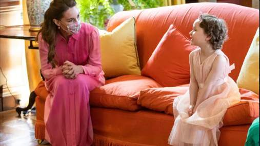 Кейт Миддлтон оделась как принцесса, чтобы встретиться с больной девочкой – трогательные фото