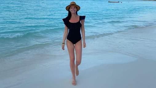 Маша Єфросиніна похизувалася фігурою на пляжі в Мексиці: рідкісні фото ведучої в бікіні