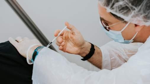 18 долларов вакцинированным, 999 – остальным: в США на фестиваль продают билеты с разной ценой