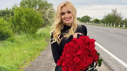 Ирина Федишин поразила стильным образом в черном платье: яркие фото