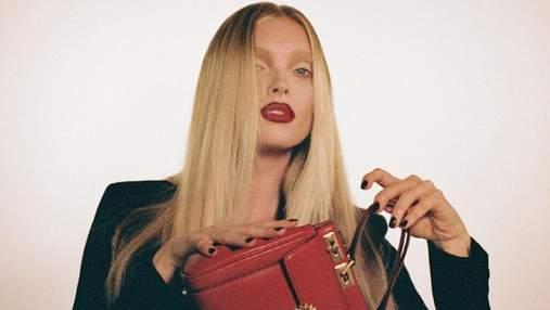 Страстный красный: Эльза Хоск и Тина Кунаки соблазнили образами в рекламе Valentino