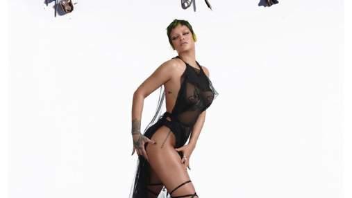 Рианна похвасталась упругими формами в прозрачном платье: горячие фото певицы