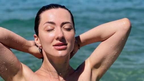 Снежана Бабкина позировала в крошечном купальнике: соблазнительный кадр из Турции