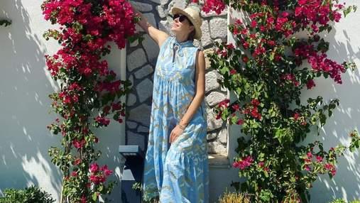 Вагітна Катя Осадча підкорила літнім образом у блакитній сукні: яскраве фото