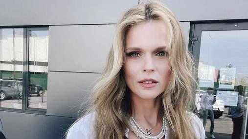 Ольга Фреймут показала стильный образ в белой рубашке: фото