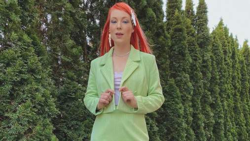 В костюме и с ярким макияжем: Светлана Тарабарова поразила стильным образом
