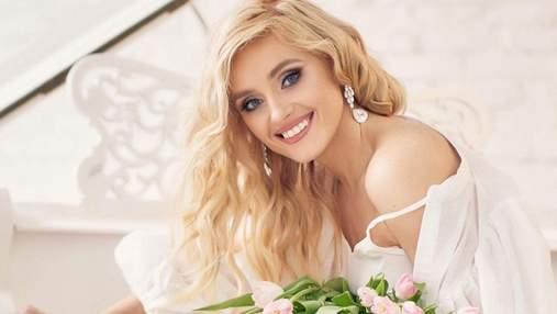 Ірина Федишин приголомшила образом у білій сорочці та з тюльпанами: ніжне фото