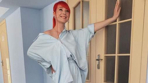 Светлана Тарабарова позировала в летнем образе: фото звезды в голубом костюме