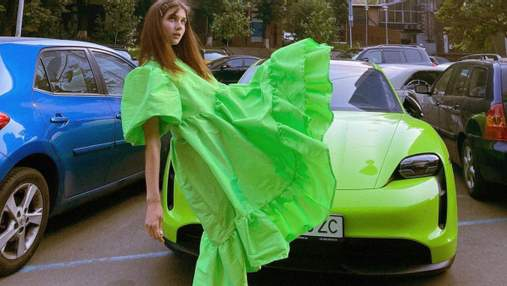 Jerry Heil ошеломила ярким образом в зеленом платье: фото