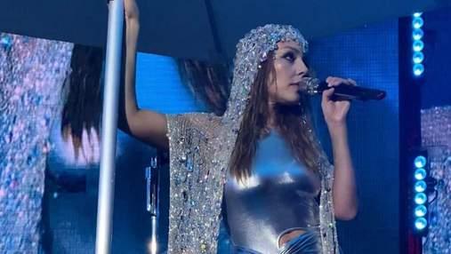 Тіна Кароль пішла з концерту в Одесі через зливу: відео