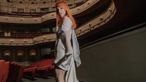 Світлана Тарабарова приголомшила вишуканим образом у молочній сукні: фото