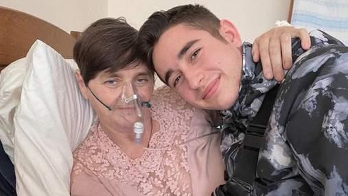 Наречена Романа Сасанчина розповіла, як почувається його мама після важкої форми COVID-19