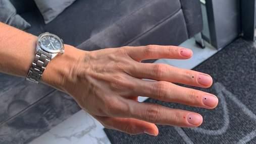 Как снять гель-лак в домашних условиях и остаться с ногтями: нужны лайфхаки