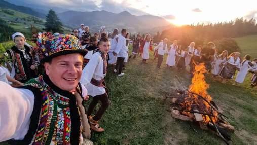 Магія гір: Дмитро Комаров святкував Івана Купала у місці неймовірної краси – відео