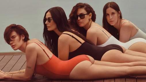 Деми Мур снялась вместе со своими дочерьми в купальниках: соблазнительные фото