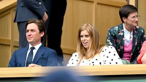 Беременная принцесса Беатрис впервые появилась на публике: милые фото с мужем