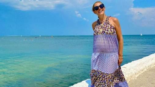 Вагітна Катя Осадча прогулялась біля моря в Одесі: фото ніжного образу