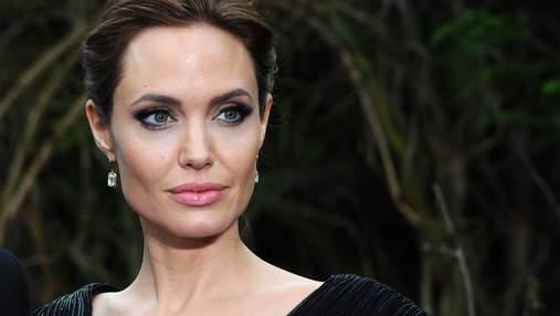 Анджелина Джоли встретилась с The Weeknd на частном концерте