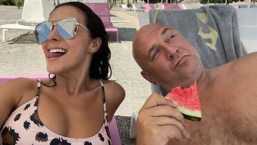 Настя Каменских и Потап отправились на отдых: фото супругов с побережья