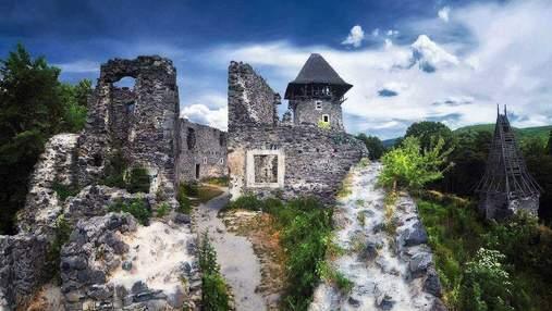 Заброшенные замки Украины, которые стоит поторопиться увидеть