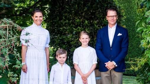Кронпринцеса Вікторія знялась у святковій сімейній фотосесії в честь 44-річчя