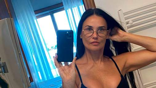 58-річна Демі Мур вразила підтягнутою фігурою в бікіні: сміливі фото з Греції