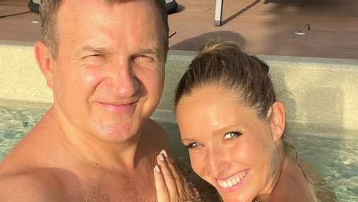 Вагітна Катя Осадча та Юрій Горбунов релаксували в басейні: фото подружжя