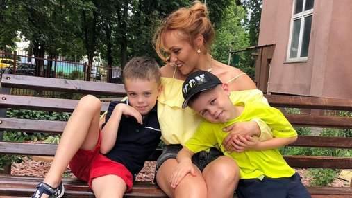 Alyosha показала нові зворушливі фото з синами