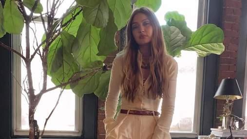 Беспроигрышный минимализм: Джиджи Хадид прогулялась по Нью-Йорку в молочном образе