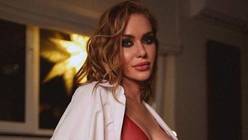 Сексуальна та спокуслива: найгарячіші фото Слави Камінської