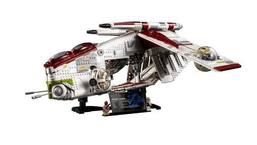 """LEGO випустить набір грандіозного бойового корабля по """"Зоряних війнах"""" з 3292 деталей: відео"""