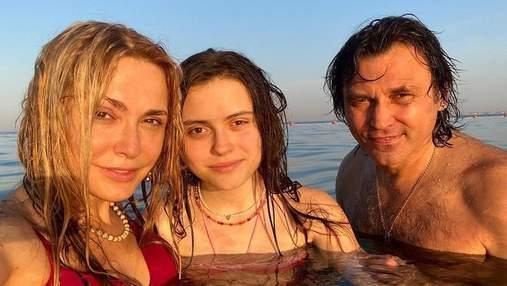 Ольга Сумская с мужем и дочкой отдыхает в 5-звездочном отеле в Египте