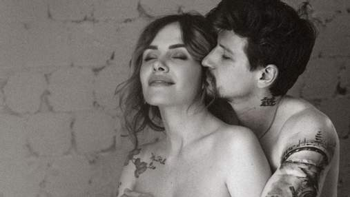 Вагітна MamaRika позувала оголеною в обіймах чоловіка: еротичне фото