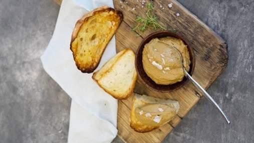Нежнейшая закуска к столу: рецепт паштета из куриной печени от Владимира Ярославского