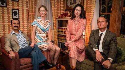 """Вуді Гаррельсон та Ліна Гіді в серіалі HBO """"Сантехніки Білого дому"""": перші кадри"""