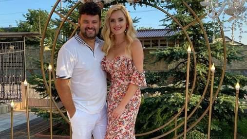 Ірина Федишин повторила образ на весіллі: фото у квітковій сукні