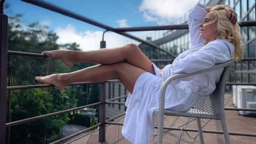 Лилия Ребрик релаксировала в белом халате: фото