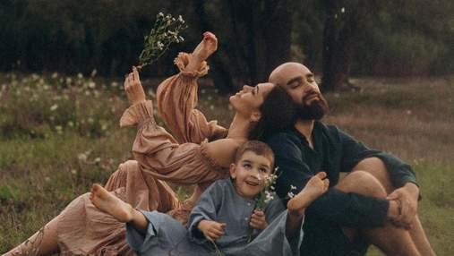 Юлія Саніна з чоловіком та сином знялись у неймовірній сімейній фотосесії
