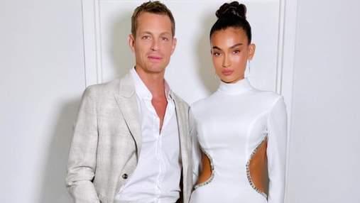 В приталенном платье с разрезами: модель Келли Гейл ошеломила выходом на кинопремьере