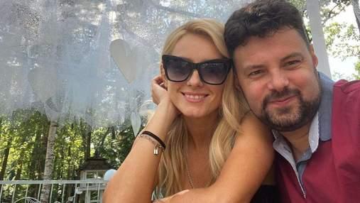 Ірина Федишин на гастролях сфотографувалася з чоловіком: романтичне селфі з Вінниччини