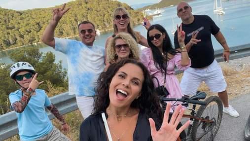 Настя Каменських показала нові фото з сімейної відпустки в Хорватії
