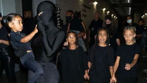 Кім Кардашян з дітьми була на концерті Каньє Веста: фото