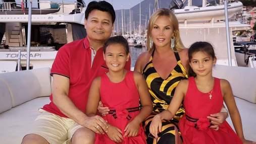 Камалия с мужем и детьми отдыхает в Турции: фото