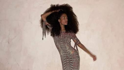 Тіна Кунакі похизувалася стрункою фігурою в сукні Jean Paul Gaultier: красиве фото