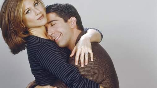 Дэвид Швиммер отреагировал на слухи о романтических отношениях с Дженнифер Энистон