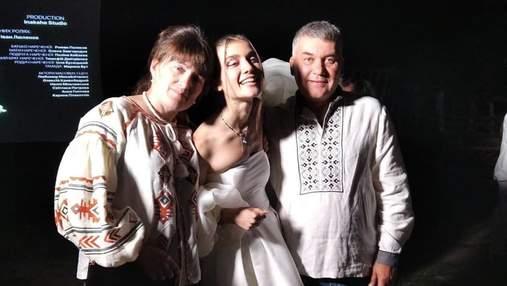 Белое платье и обет самой себе: родители Jerry Heil отреагировали на курьезную свадьбу дочери