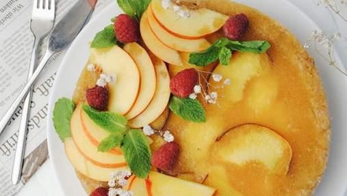 Дієтичний персиковий тарт з домашнім сиром та желе